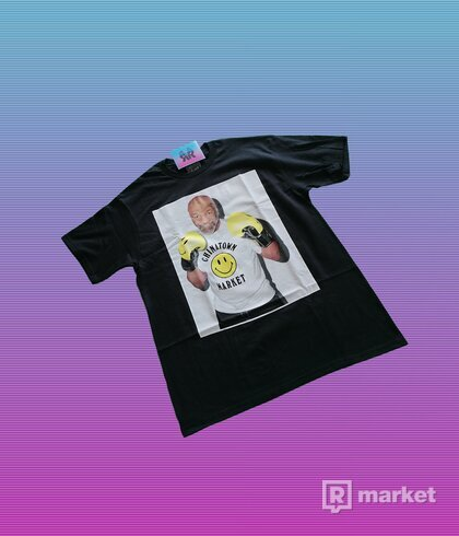 "CHINATOWN MARKET TYSON PHOTO TEE ""BLACK"""