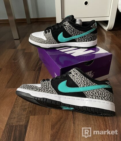 "Nike SB Dunk Low X atmos - ""Elephant"""