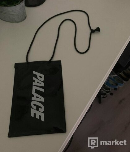 Palace pouch