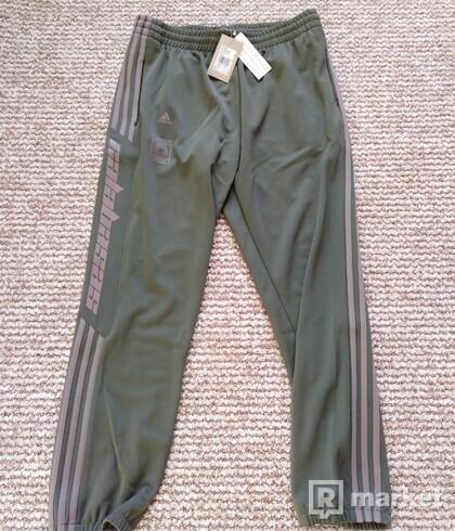 Adidas Calabasas pants L