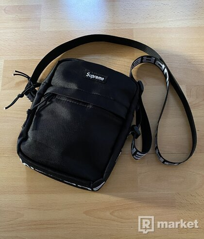 Supreme Shoulder Bag SS18