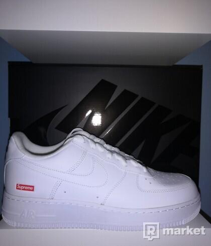 Nike Air Force 1 Supreme White 44