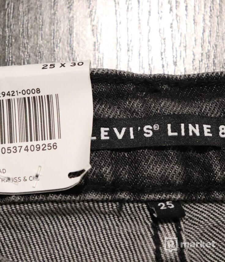 Levi's jeans (mid waist)