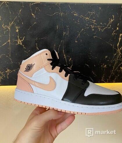 Jordan 1 Mid Crimson Toe