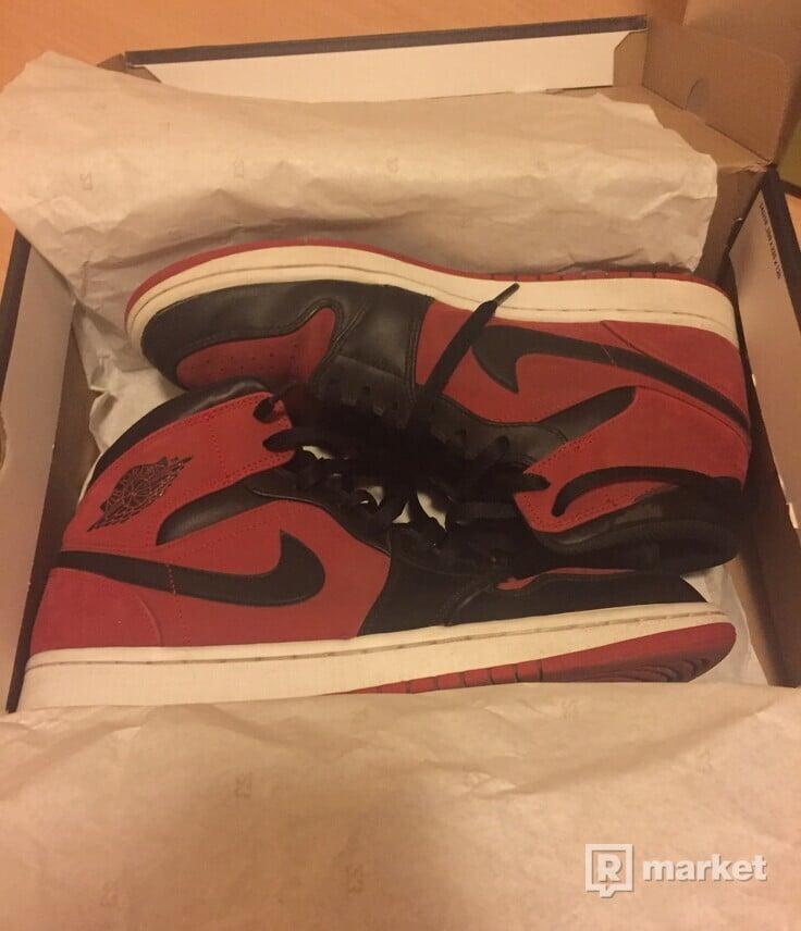 Jordan 1 mid gym red black