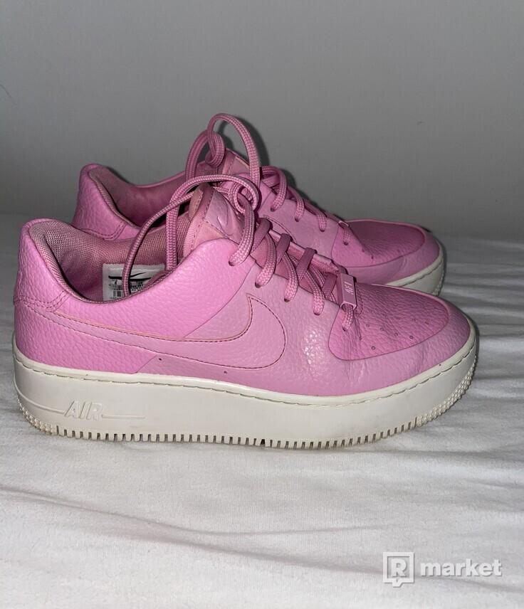 Nike air force one sage low