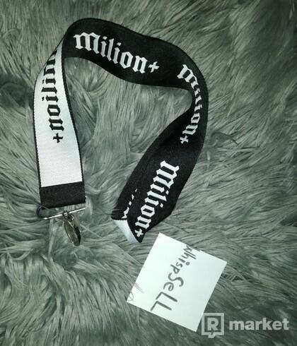 Milion+ prívesok