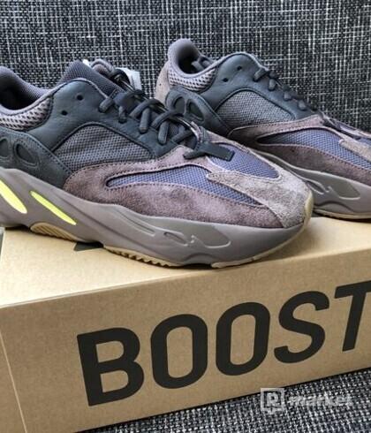 Adidas Kanye West Yeezy Boost 700 len predaj !!!