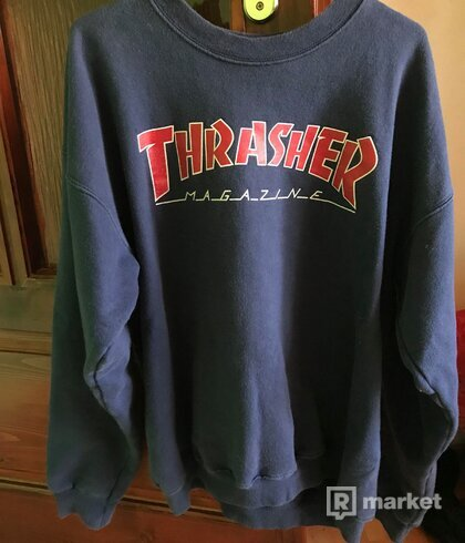 Predám malo používanú crewneck Thrasher mikinu..