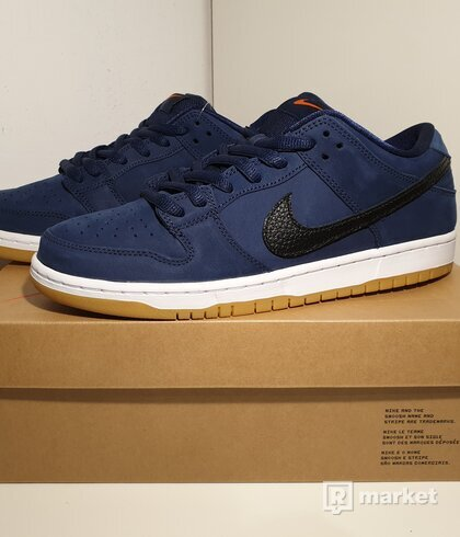 Nike SB Dunk Low Navy Black Gum