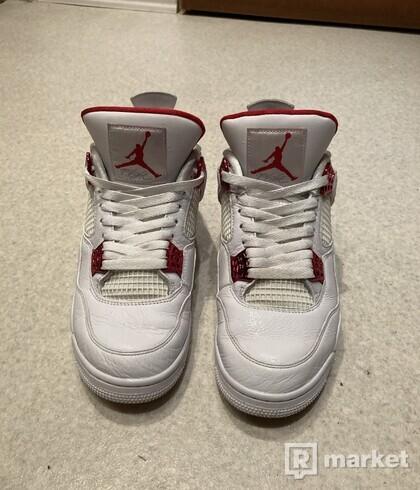 Jordan 4 metalic red