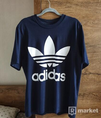 ADIDAS boxy tričko