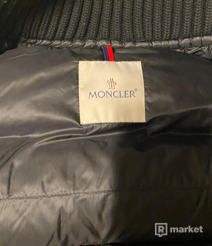 Moncler Montgenevre puffed jacket black
