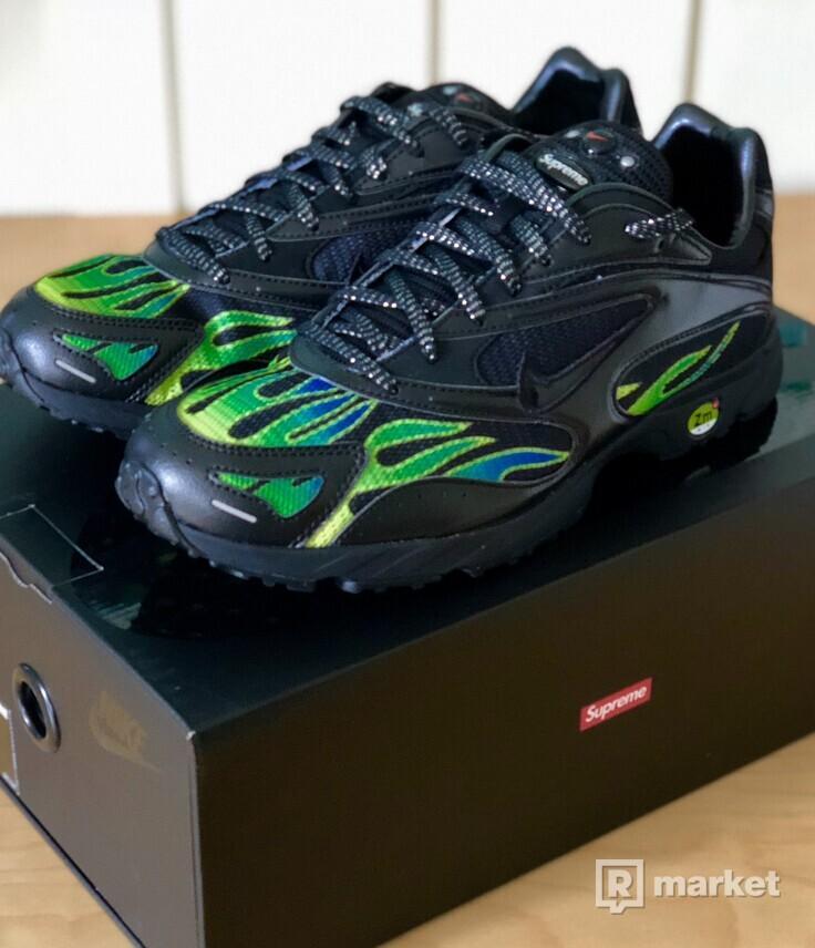 Supreme x Nike STRK Spectrum