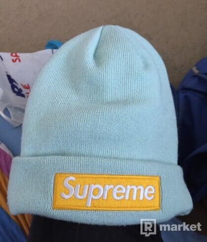 Supreme box logo beanie