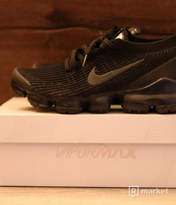 Nike vapormax tripple black