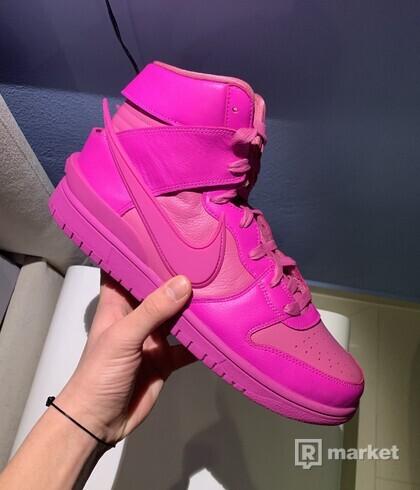 Nike dunk ambush