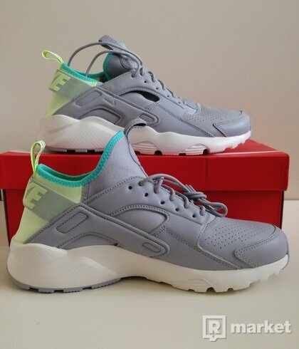 NIKE AIR HUARACHE RUN ULTRA SE 44(10) 47(12,5) 45,5(11,5)