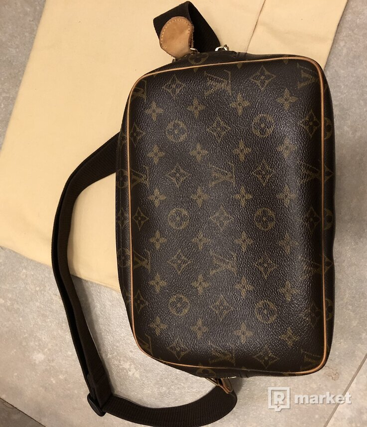 Louis Vuitton reporter bag pm
