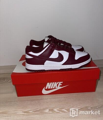 Nike dunk low Bordeaux