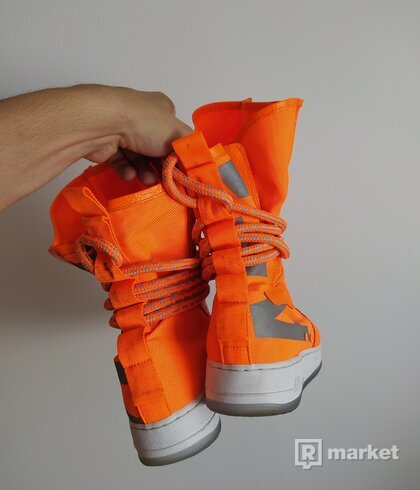 Nike SF Air Force 1 High Total Orange