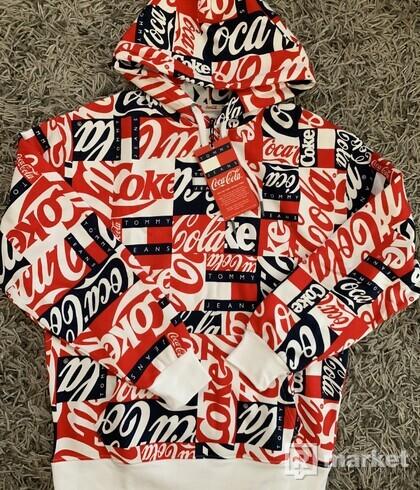 Tommy Jeans x Coca-Cola pánska mikina