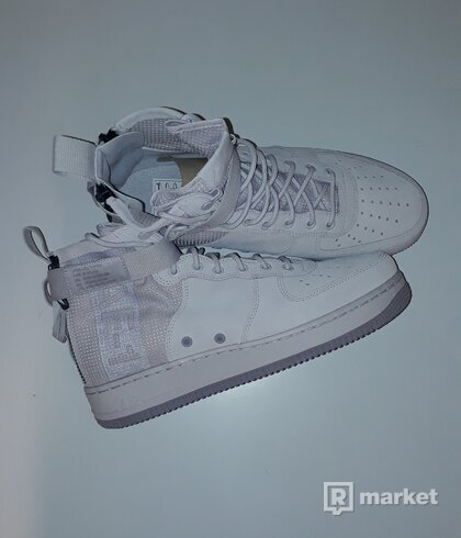 Nike Air Force SF 1
