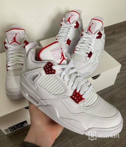 Air Jordan 4 Metallic Red