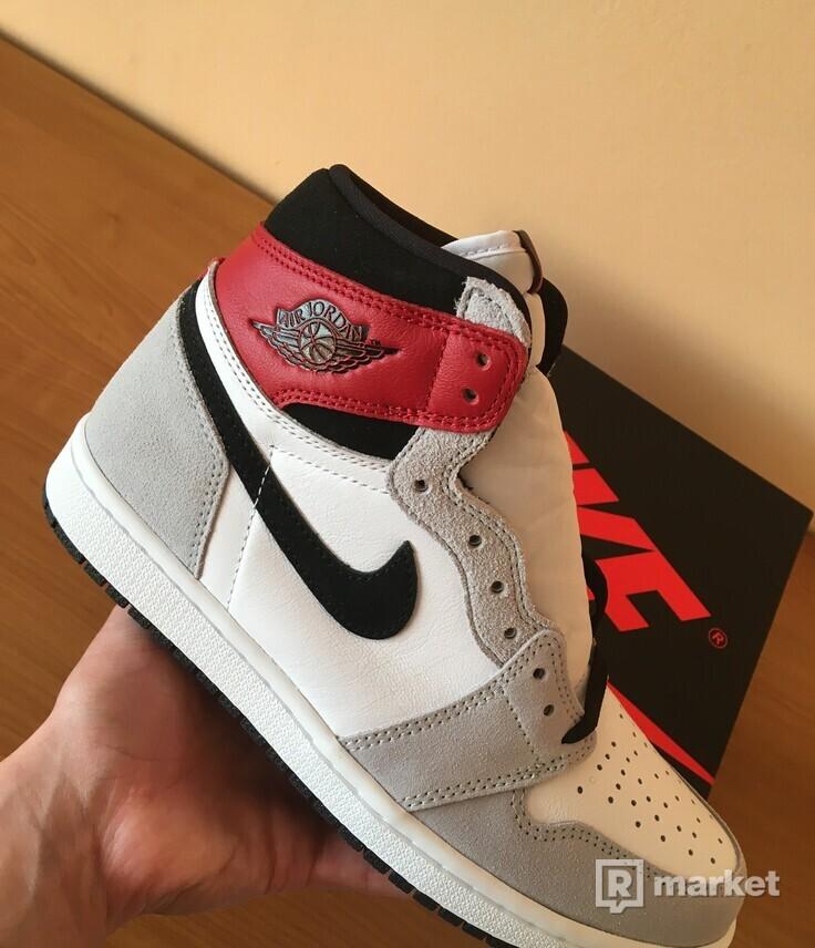 Jordan 1 Retro High Light Smoke Grey