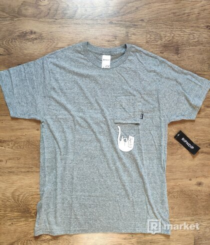 FALLING FOR NERMAL POCKET TEE (GREY)