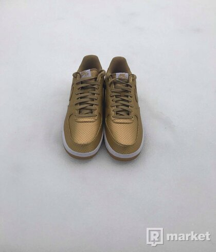Nike Air Force 1 Gold Edition