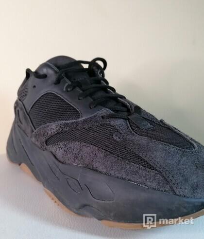 Yeezy 700 Black utility