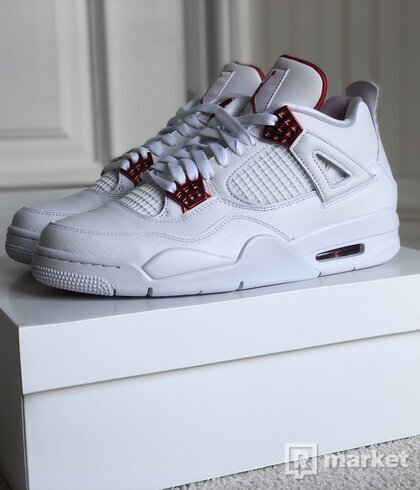 Jordan 4 Metalic Red