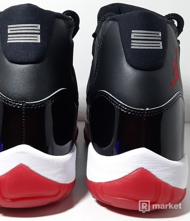 Air Jordan 11 Playoff
