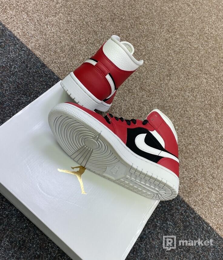 Air Jordan Mid Gym Red Black