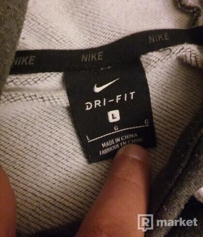 Mikina Nike DRI-FIT