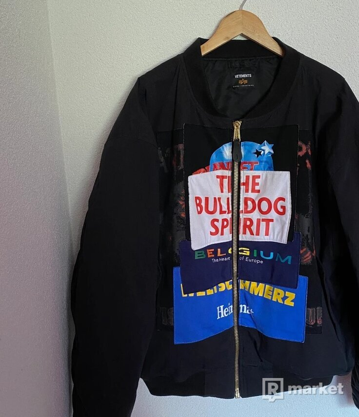 Vetements Alpha Industries Bulldog Spirit Reversible Bomber