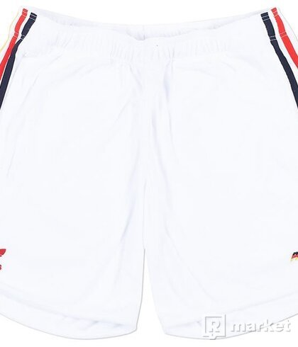 Palace x Adidas Shorts size L