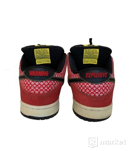Nike Dunk SB Low Firecracker Red