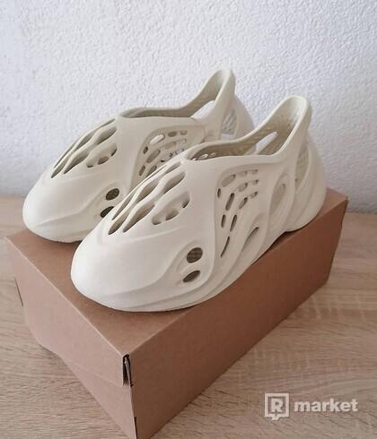"Adidas Yeezy Foam Runner ""Sand"""