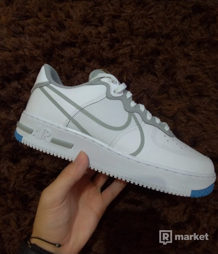 Nike Air Force 1 React Light Smoke Grey