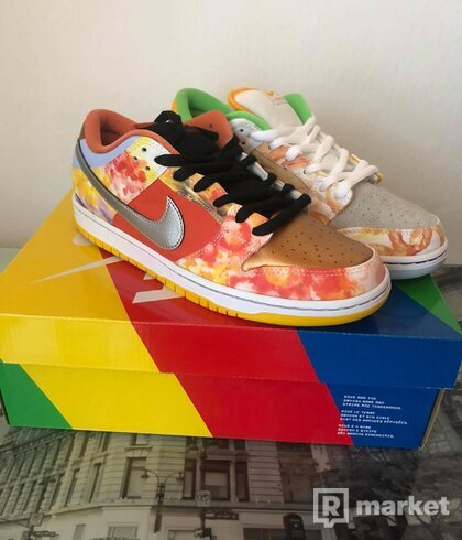 Nike SB Dunk Low Street Hawker
