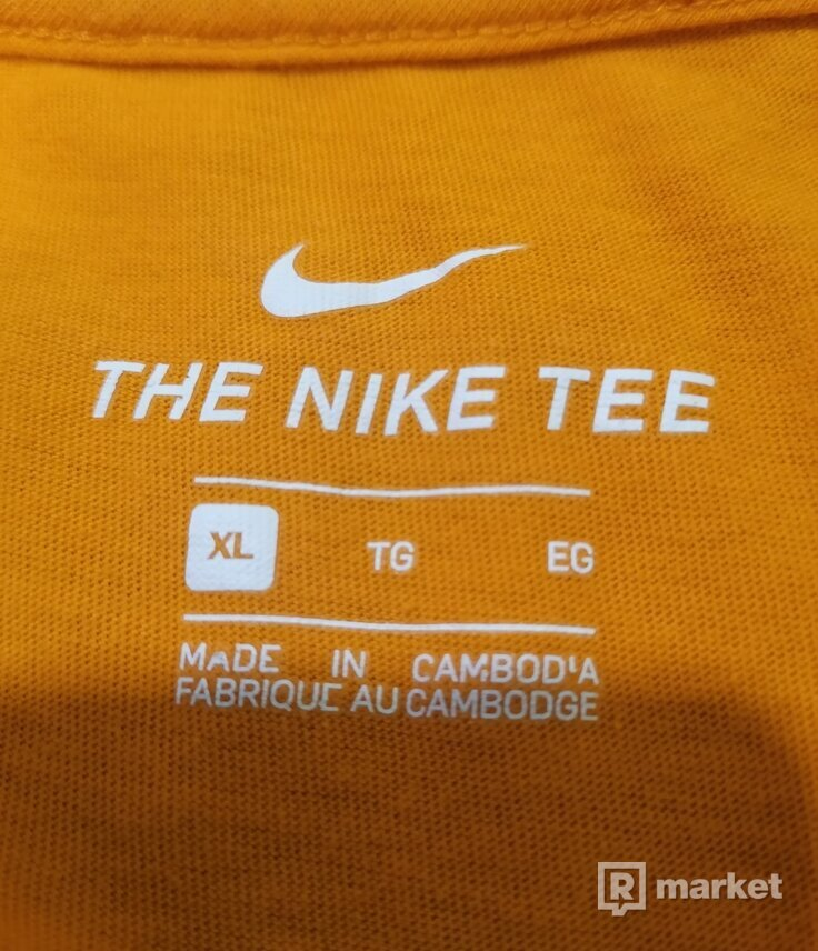 Nike M NSW Tee Swoosh BMPR STKR