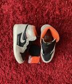 Air Jordan 1 High crimson