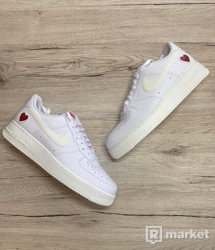 NIKE AIR FORCE 1 LOW VALENTINES DAY
