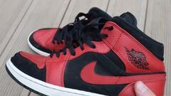 Air Jordan 1 MID Reverse Bred