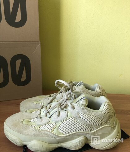 Yeezy 500 moonyellow