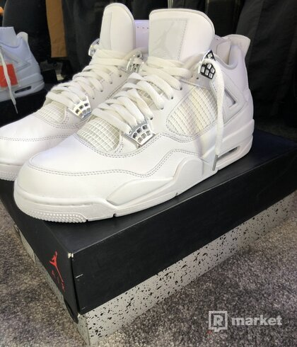 Retro 4 Pure Money
