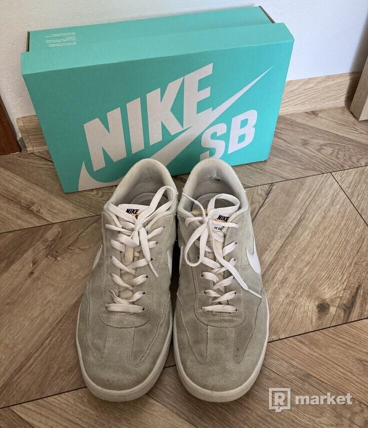 Nike SB FC Classic