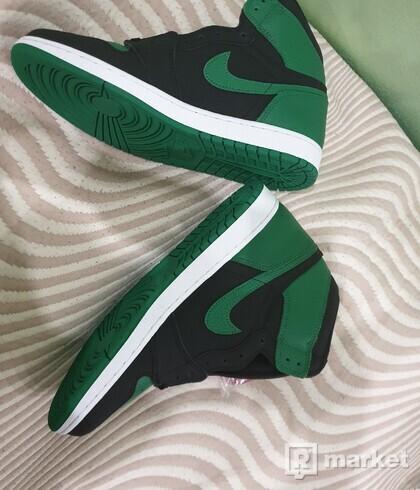 "Nike Air Jordan Retro 1 High ""pine green"""